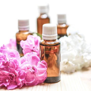 Essential Oils & Incorporating Them In Your Daily Routine